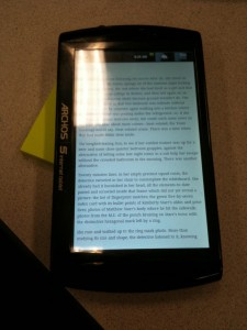 Archos 5 Reading a Book